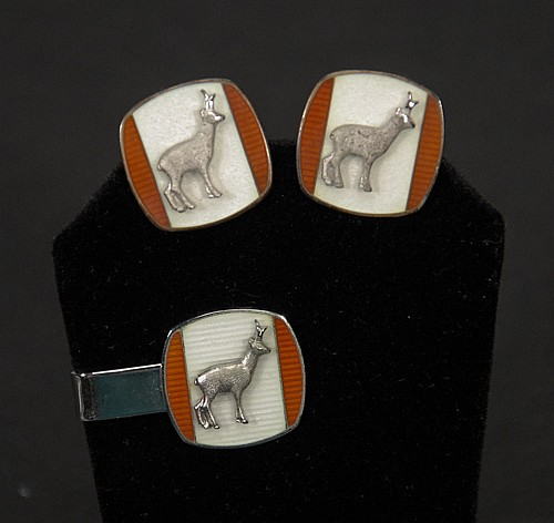 Robbins Attleboro Sterling Silver Pronghorn Embossed Tie Clip and Cuff Links