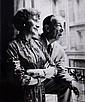 Robert Doisneau (1912-1994) Raymond Bussières et Annette Poivre. Tirage argentique. Tampon au dos à l'encre rouge. Circa 1950. 22,...
