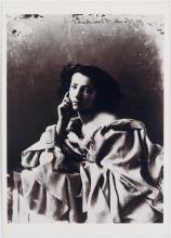 Vintage Postcard SARAH BERNHARDT Photo by Felix Nadar