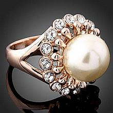 Gorgeous Pearl and Crystal Cocktail Ring