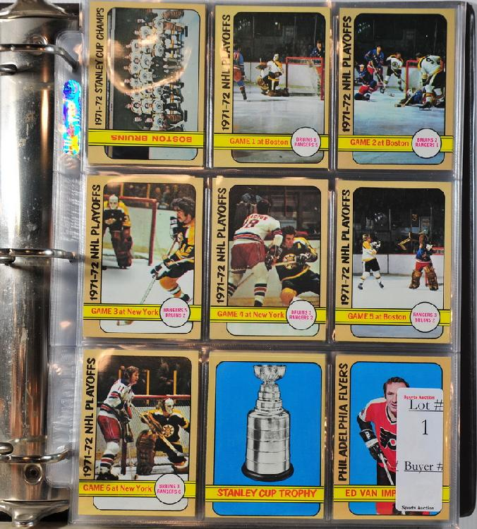 Complete 1972-73 Topps Hockey Set in Near Mint Condition in Binder