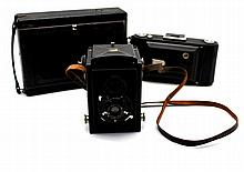 THREE PHOTOGRAPHIC CAMERAS 20th CENTURY Marca