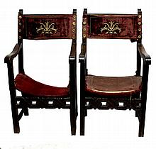 PAIR OF FRIAR CHAIRS 17th CENTURY En madera de
