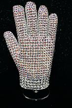 MICHAEL JACKSON REPLICA SWAROVSKI BAD TOUR GLOVE.