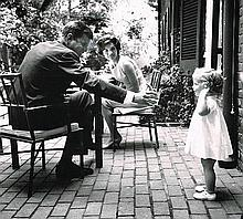 JOHN F KENNEDY AND JACKIE KENNEDY 1964 PHOTOGRAPH