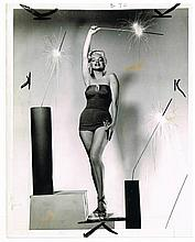 MARILYN MONROE - HOW TO MARRY A MILLIONAIRE PRESS PHOTO
