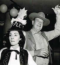 JOHN WAYNE AND WIFE PILAR VINTAGE PHOTO