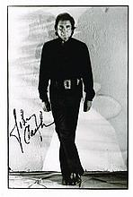 JOHNNY CASH SIGNED PHOTOGRAPH.