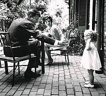 JOHN F KENNEDY AND JACKIE KENNEDY 1964 PHOTOGRAPH.