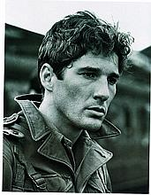 RICHARD GERE BLACK AND WHITE PHOTO.