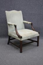 AMERICAN CLASSICAL MAHOGANY ARM CHAIR