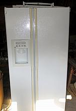 GE 25 cu' Side by Side Refrigerator