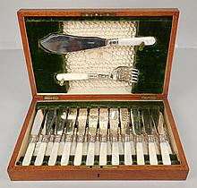 Henry Rogers Sons & Co., Sheffield silver plate and mother of pearl fish set