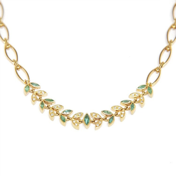 EMERALDS AND DIAMONDS NECKLACE De oro amarillo,