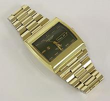 A gentlemen's gold-plated Favre Leuba Sea Raider Compressor 36000 bracelet watch, c.1973,  a ton