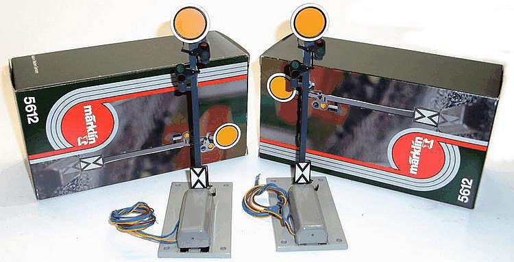 Two Marklin 1-gauge 5612 Electric Signals