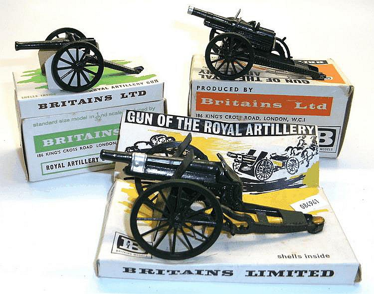 Three Britains 1:32 Scale Guns