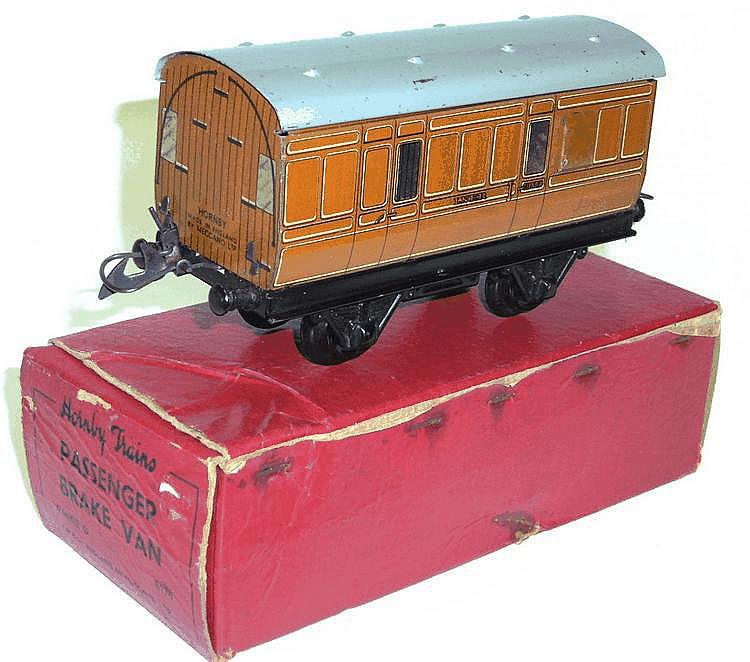 Hornby O-gaugeNo. 1 LNER Passenger Brake Van