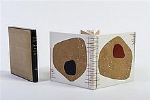 CHAR René. De moment en moment. Alès, PAB, 1957; in-16 carré (117 x 117mm) de 2 ff. bl., [8] ff., 2 ff. bl., reliure de maroquin bl...