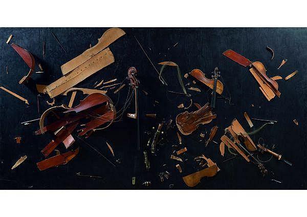 ARMAN 1928-2005 Le quintette Mozart, 1963 Colères de violons, vionloncelles et archets éclatés sur panneau, signé et daté en bas à gauc
