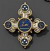 CASTELLANI Années 1850 pendentif micromosaïque Il est en forme de croix fleuronnée