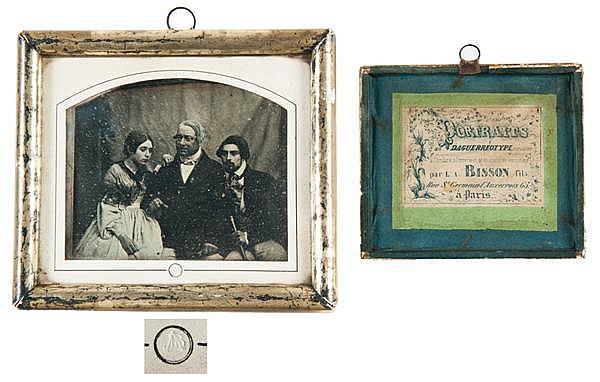 Louis Auguste Bisson (1814-1876) Portraits, vers 1841-1842 Daguerréotype dans son montage original, portant l'étiquette  du studio p...