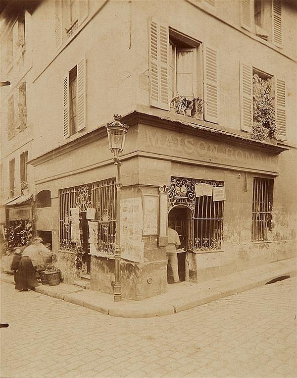 Eugène Atget (1857-1927) Cabaret du xviie Rue Mouffetard, 1899-1900 Épreuve albuminée, négatif verre, montée sur un carton annoté à ...