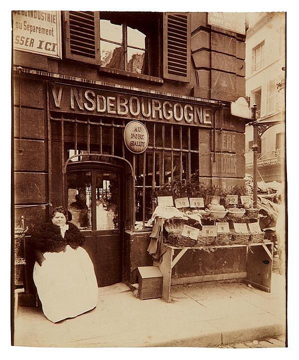 Eugène Atget (1857-1927) Cabaret « au Port salut », rue des fossées-saint-Jacques, 1903 Épreuve albuminée, négatif verre, non montée...