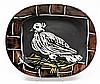 PABLO PICASSO (1881-1973) Colombe, 1948 Plat rectangulaire Réplique authentique en terre de faïence blanche, décor à l'engobe et aux...