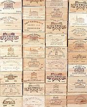 Ensemble de 12 bouteilles 1 bouteille Château DU JUGE, Bordeaux 1944 (B, V) 1 bouteille Château CAMENSAC, 5° cru Haut-Médoc 1947 (V)...