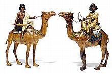 ƒÉCOLE AUTRICHIENNE BRONZE DE VIENNE (XIXe-XXe siècles) D'APRÈS FRANZ XAVIER BERGMANN (1861-1936) COUPLE DE CHAMELIERS TWO CAMEL RID...