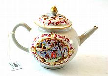 A Chinese Porcelain Teapot and Cover, Qianlong,