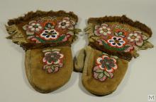 C.1910-1920 Manitoba Native Cree Beaded Mitts