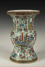 LARGE CHINESE PORCELAIN VASE - Mid 19th c