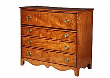 TIGER MAPLE BUTLER'S CHEST - Late 18th to early 19th c