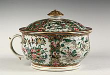 CHINESE PORCELAIN COVERED COMMODE - Mid 19th c