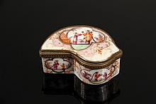 SNUFF BOX - Chinese Export Porcelain Gilt Metal Mounted Hinged Snuff Box, late 18th - early 19th c., with painted figures on top, sides, base, and inside lid. 2 1/2