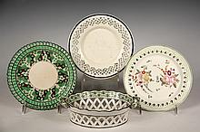 (4 PCS) EARLY ENGLISH CREAMWARE - All late 18th c, including: Turner Pierced Basket with handles, in yellow-green and brown, 2 1/4