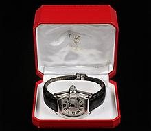 GENT'S WRISTWATCH - Cartier Roadster Automatic Wristwatch with stainless steel case, Roman numerals and black leather strap, #225545CE