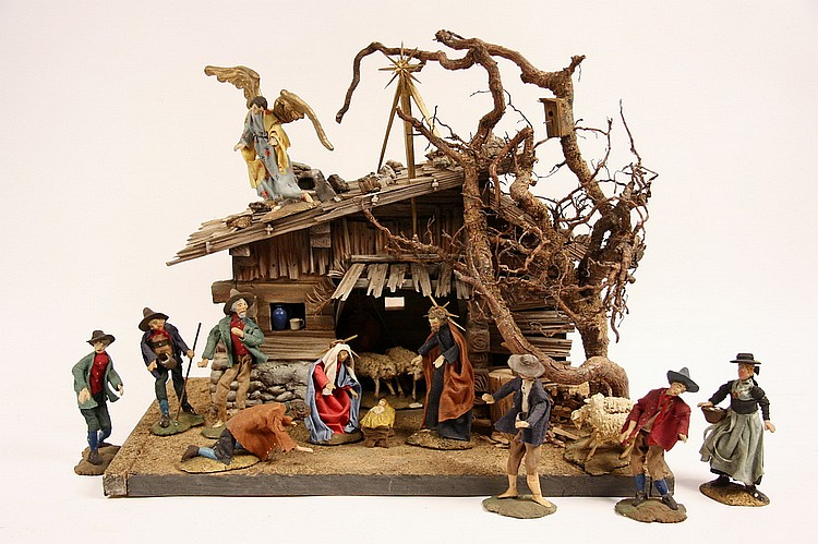 HANDCRAFTED AUSTRIAN CRECHE - Post-War Austrian Crèche made of all natural materials, in the original shipping crate, figures: 5