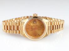 18k Yellow Gold Geneve Women's Watch - 69.0g