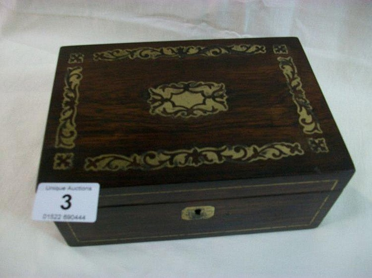 A mahogany workbox with brass inlay (20.5cm x 14cm
