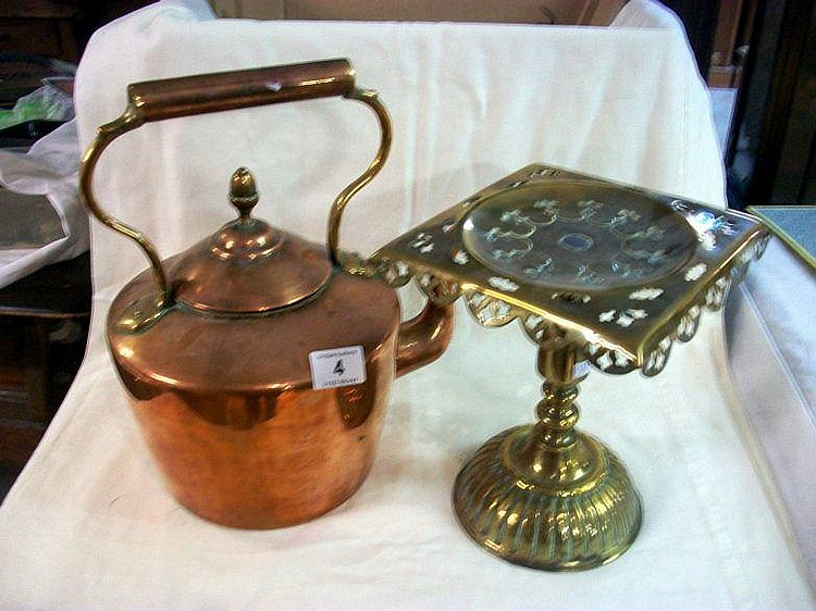 A Victorian copper kettle and a Victorian brass