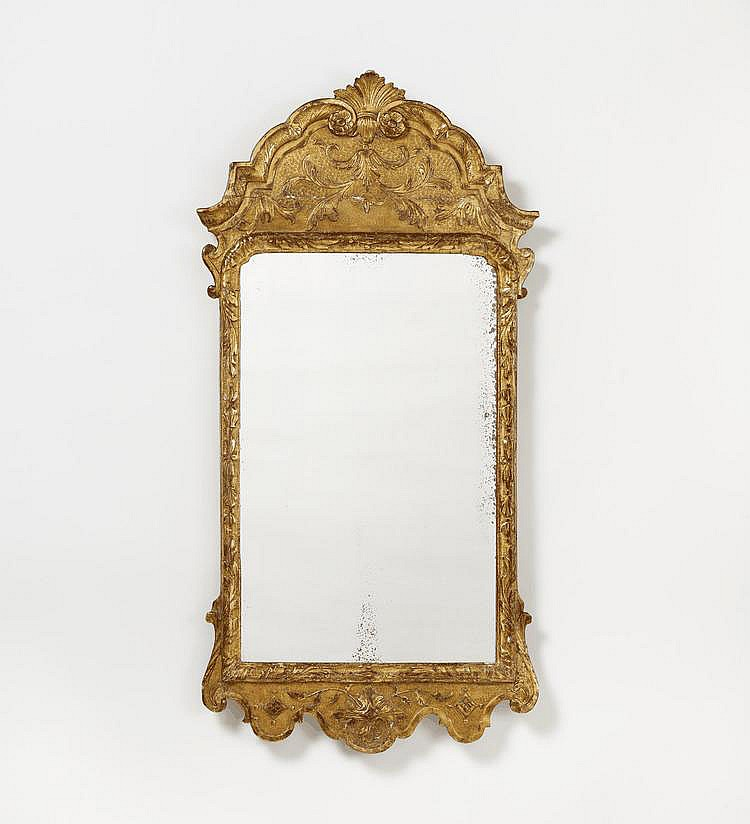 Régence Mirror. France. 18th C. Carved and gilt