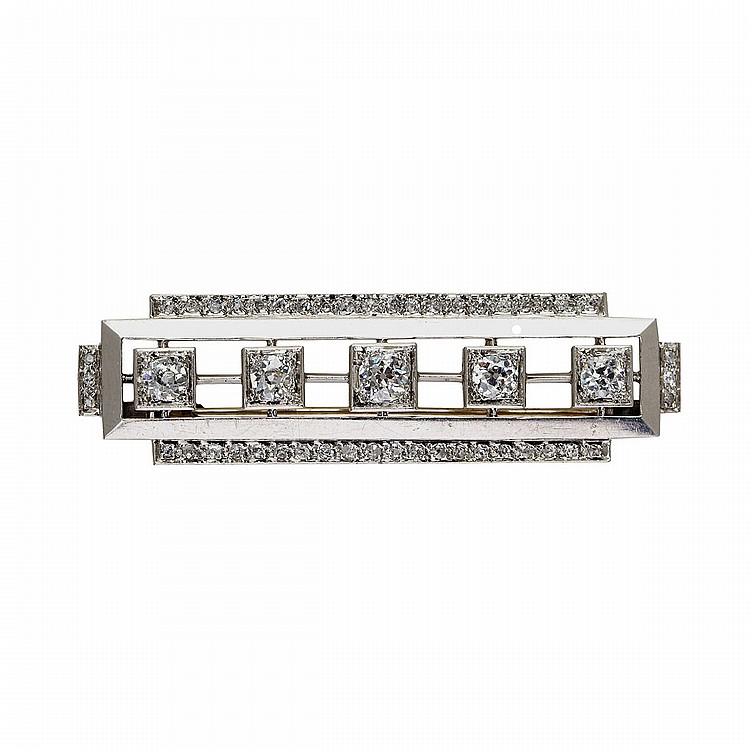 Platinum Bar Pin set with 5 old cut and 46 rose cut diamonds (approx. 2.20ct.t.w.), 13.5 grams
