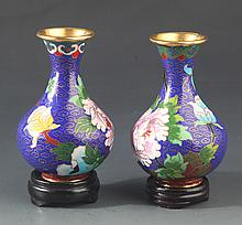 A PAIR OF SMALL CLOISONNE VASE