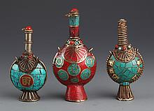 A GROUP OF THREE TURQUOISE SNUFF BOTTLE