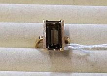 10ct retro smokey quartz ring