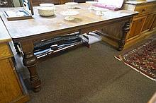 1920's Oak 2 leaf extension dining table
