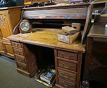 1920's American maple roll top desk